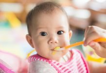 Understanding the signs your little one is showing helps you understand when the best time is to introduce baby food.