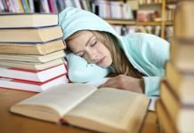How much sleep does a teenage need, you might ask? Check out this article for more information!