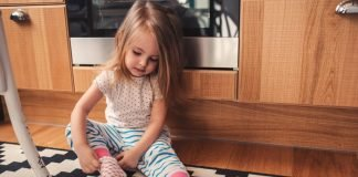 Creative games for toddlers to play indoors can help foster developmental growth