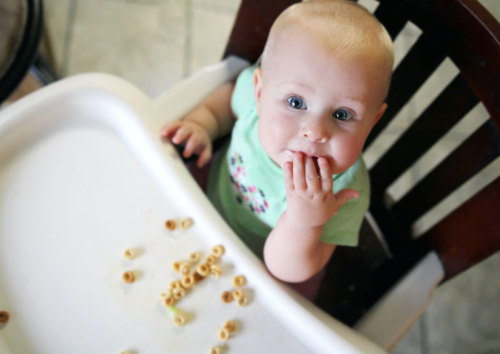 When Can Babies Eat Puffs and Cheerios? Introducing Babies First Solids
