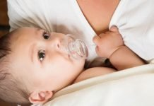Guidelines help new parents determine what pacifier is best for their breastfed baby. Check out these tips!