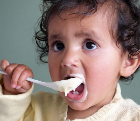 Mixing rice cereal and baby foods at meal time can help add variety and texture to your baby's diet.